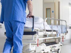 Paziente cade dalla barella. Corte dei conti proscioglie infermiera precedentemente condannata a pagare i danni.