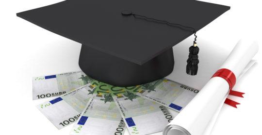 Riscatto della laurea a fini pensionistici. Tutte le info per aumentare il proprio assegno.