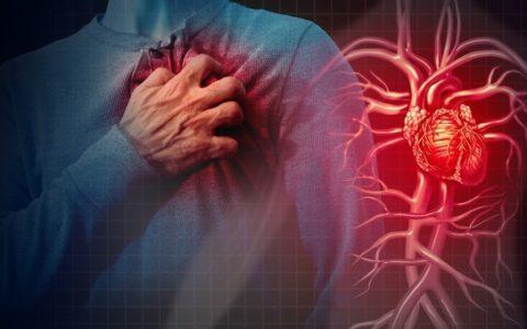Stress da lavoro danneggia il cuore: i turni lunghi possono causare aritmie, ictus e infarti.