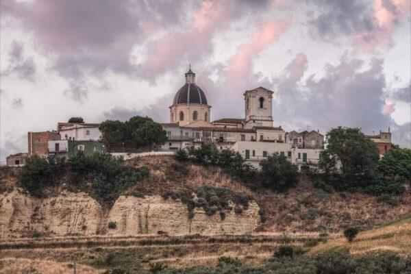 """Una domenica a Serracapriola (Fg)….Borgo medievale…Castello…Convento di """"Padre Pio Giovane""""."""